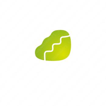 階段と成長と信頼のロゴ