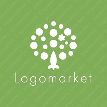 木と葉とナチュラルのロゴ