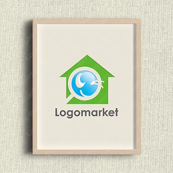 家とキャラクターと親しみやすいのロゴ